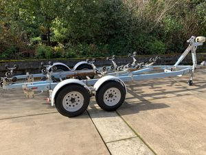 EZ Loader 22' Boat Trailer for Sale in Fife, WA