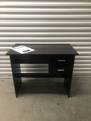 Office table/computer desk 35x19 H29 for Sale in Las Vegas, NV