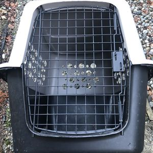 Dog Crate Fits Up To 50lbs. for Sale in Marysville, WA
