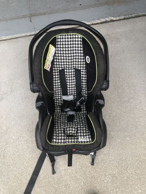 Graco infant car seat for Sale in Orland Park, IL