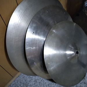 3 USED AVEDIS CYMBALS for Sale in Tracy, CA