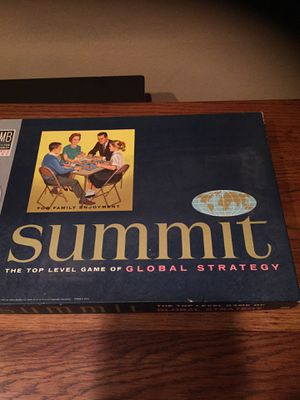 Vintage Milton Bradley global strategy summit board game for Sale in Des Moines, WA