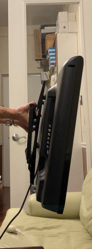 32 Inch Coby HDTV and tilting wall mount (very durable) for Sale in Hollywood, FL