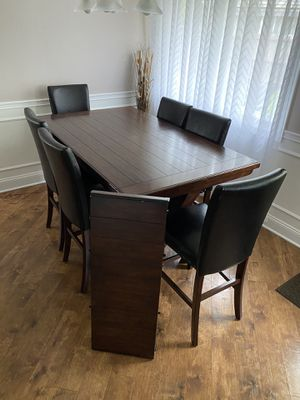 Dining Table w/6 Chairs (60x32-72x32) for Sale in Chicago, IL