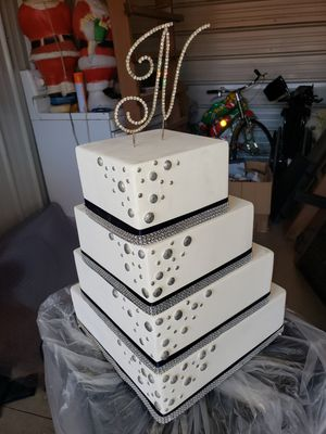 Artificial wedding cakes for Sale in Barberton, OH