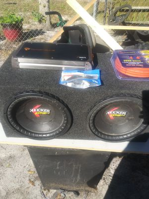 Kicker comp vr 12s amp kit and bass knob for Sale in Eagle Lake, FL