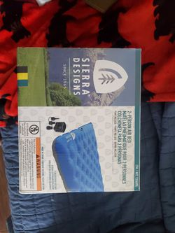 Brand New 2 Person Air Mattress With Pump for Sale in Euclid,  OH