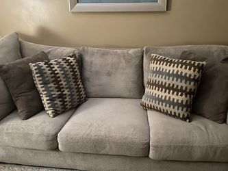 Sofa And Chaise (Beige) for Sale in Redford Charter Township,  MI
