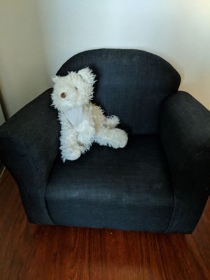 Children's chair for Sale in Rancho Cucamonga, CA