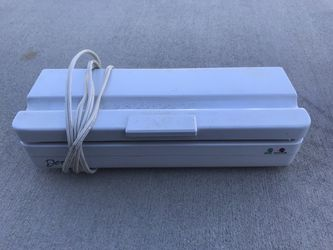 DENI FRESHLOCK Vacuum Sealer Model 1631 for Sale in Lancaster,  CA