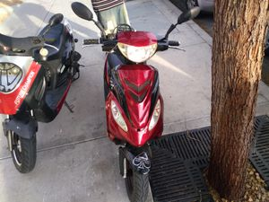 Icebear moped I got a 80cpc kit in it run good come with everything for Sale in Las Vegas, NV