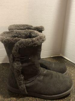 Airwalk Women's Gray Ugg Like Boots Size 8 for Sale in Manassas,  VA
