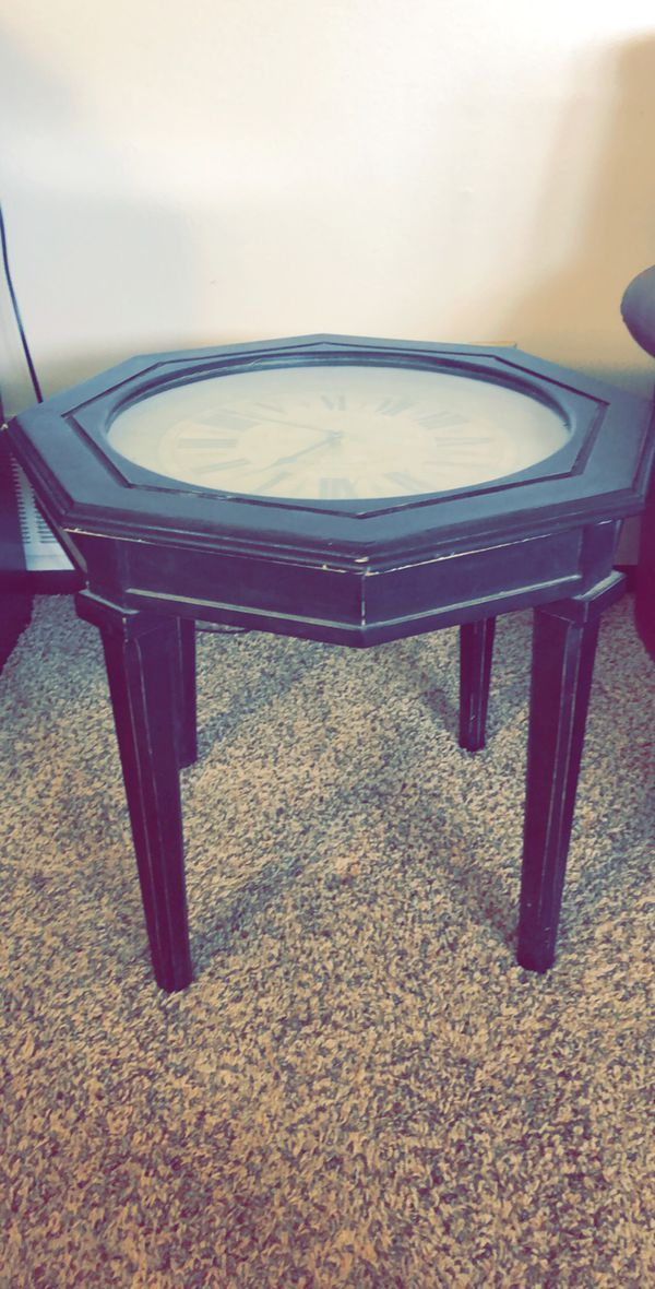 Working clock side table