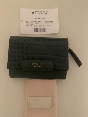 Radley London Arlington Court Croc Embossed Wallet In Hunter Green for Sale in North Miami, FL