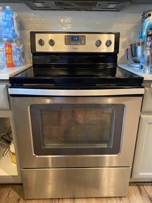 Whirlpool oven with whirlpool microwave for Sale in Vancouver, WA