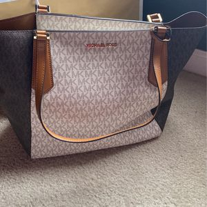 Like New Michael Kors Purse for Sale in Wentzville, MO