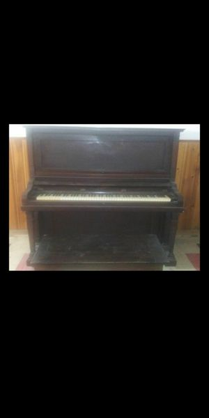 Old piano great working condition for Sale in Parma Heights, OH
