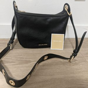 New Michael Kors Black Crossbody Purse for Sale in Los Angeles, CA