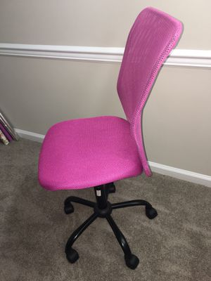 Pink office home desk chair for Sale in Ashburn, VA