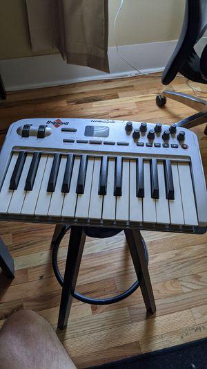 M-Audio oxygen 8 midi keyboard for Sale in Tacoma, WA