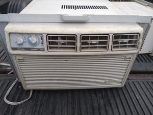 Ice cold air conditioner 10,000 BTU'S for Sale in Philadelphia, PA