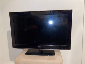 LG 32-Inch 720p LCD TV for Sale in Casselberry, FL