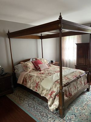 Furniture rugs lamp for Sale in Wilmington, DE