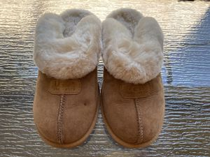 USED UGG Coquette Slippers for Sale in Tampa, FL