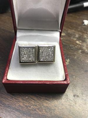 Men's 14 karat white gold diamond Earrings for Sale in Baltimore, MD