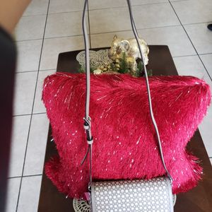 Hand Bag for Sale in Pompano Beach, FL