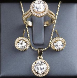 New 18 k yellow gold jewelry set for Sale in Jacksonville, FL