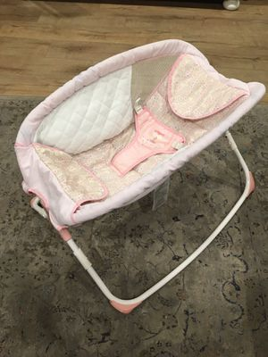 10$ Ingenuity rocker, easy to fold and go. for Sale in Fountain Valley, CA