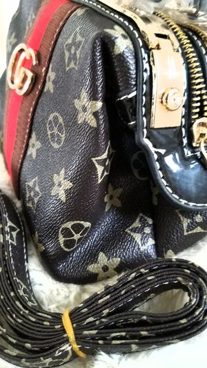 Ladies Women's Purse Handbag Crossbody Tote Bag + Extendable Straps INCLUDED for Sale in Monterey Park, CA