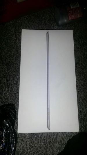 Ipad 6 generation 128gb wifi+cellular for Sale in Wichita, KS