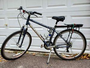 Schwinn Comfort Road Bike for Sale in Malden, MA