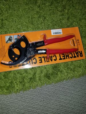 I'm selling. Heavy Duty Copper aluminum ratchet cable cutter. Only serious people please buy. for Sale in Manassas, VA