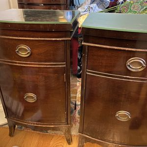 2 matching night stands for Sale in Asbury Park, NJ