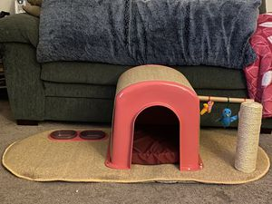 Cat hut for Sale in Lancaster, PA