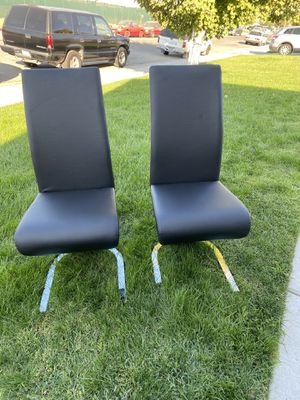 Black dining chairs (set of 2) for Sale in Fresno, CA