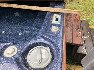 Hot tub needs pump for Sale in Conroe, TX