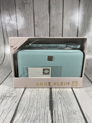 New Anne Klein Tiffany Blue Womens Wallet for Sale in Las Vegas, NV