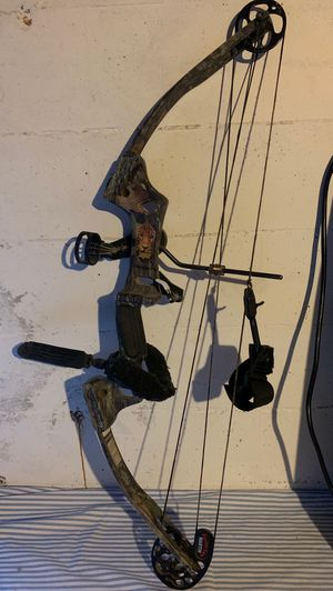 Youth Martin Magnum compound bow for Sale in East Wenatchee, WA
