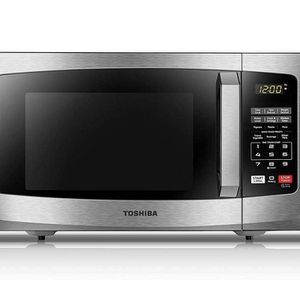 Toshiba EM925A5A-SS Microwave Oven for Sale in Miami, FL