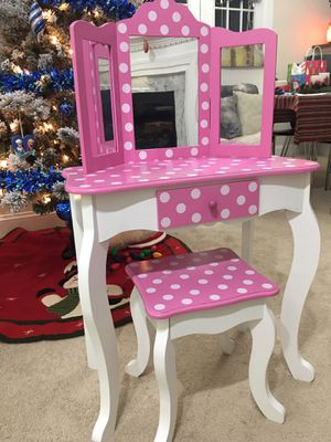 Girls Pink Tri-Mirror Vanity with drawer & bench for Sale in Chapel Hill, NC