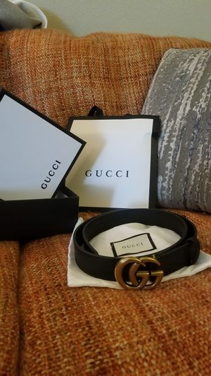 Mens Gucci belt for Sale in Moreno Valley, CA