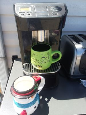 Nice coffee pot, toaster and crock pot for Sale in La Vergne, TN