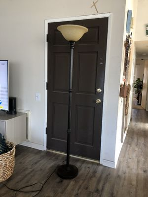 Floor lamp for Sale in Redondo Beach, CA
