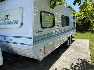 1999 24ft Coachman light travel trailer for Sale in Everett, WA