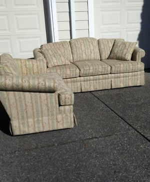 Plush two-piece living room group matching couch and loveseat for Sale in Everett, WA
