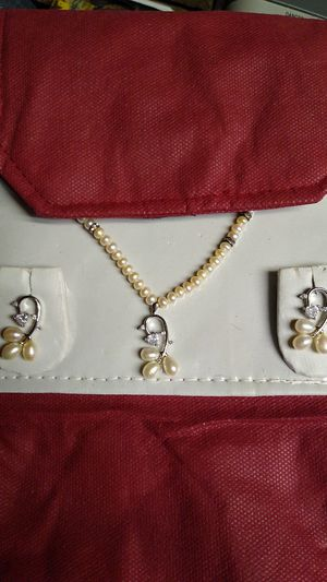 Pearl and Diamond Necklace and matching Earrings for Sale in Irving, TX